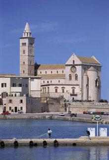 Apulia_trani cathedral.jpg